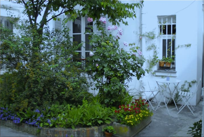 Exquisite house in Montmartre