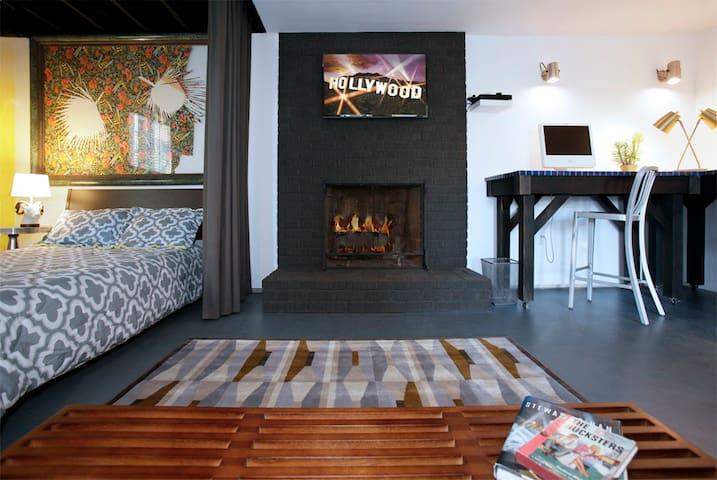 Poolside Studio in Echo Park