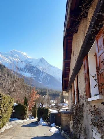 Studio dans une ferme typique vue Mt Blanc