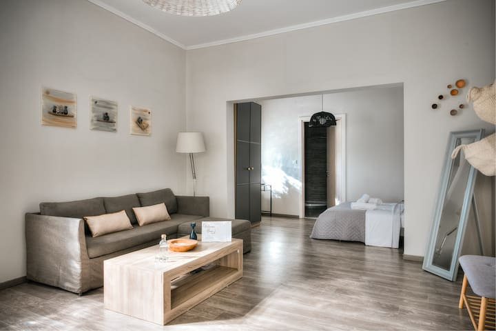 Brand new stylish deluxe appartment near the beach