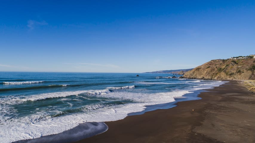 Stunning Retreat Overlooking Pacific