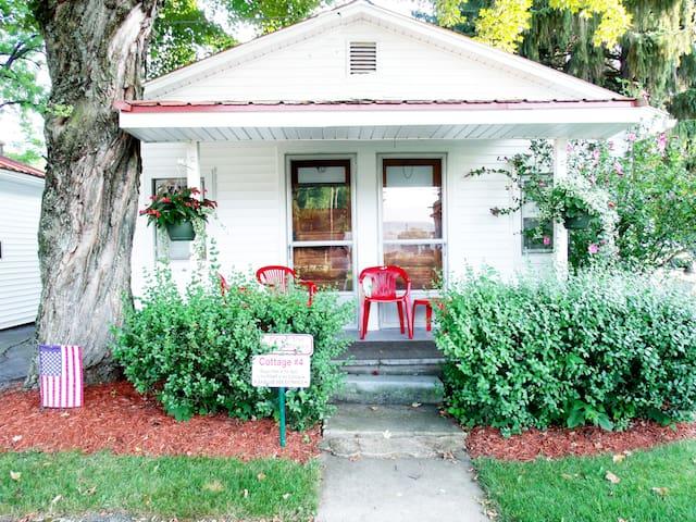 Country Vacation Cottages - Cottage #4