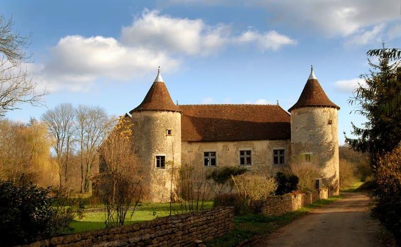 Lantenne-Vertière的民宿