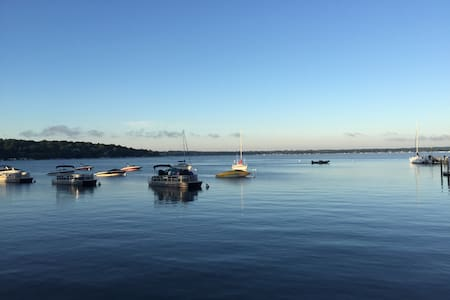 The Haven in Lake Geneva *Walk to beach & town*