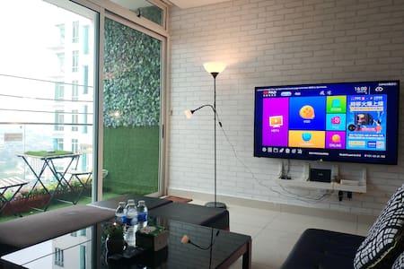 KSL 2Bedroom 6-8pax (Level32CityView) 65TV*PC*Wifi