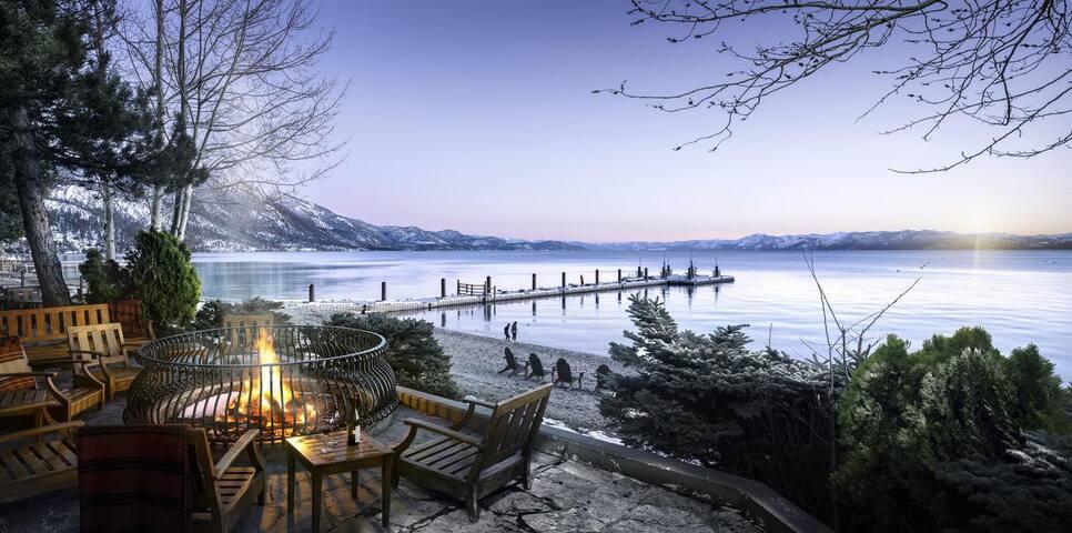 Luxury Lakeside Sierra Lodge 2BR Suite