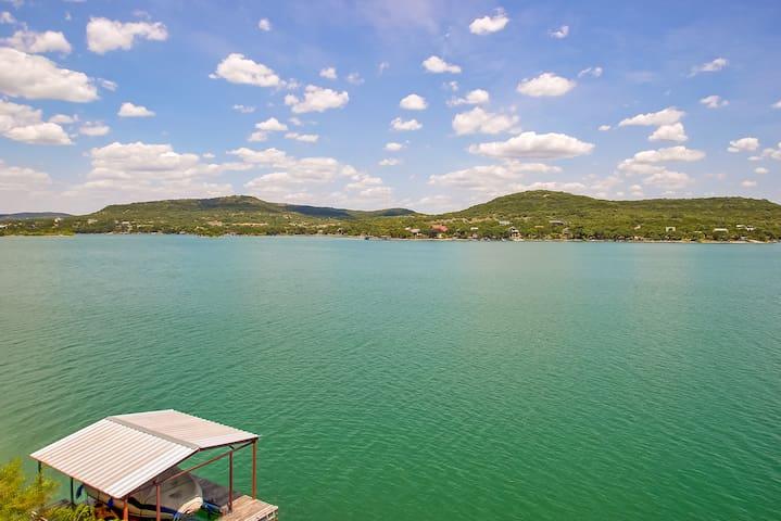 Prime Medina Lake Frontage on Deep Water!
