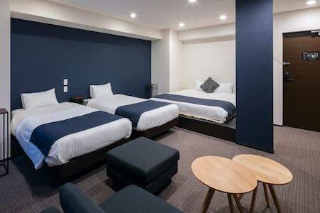 10楼-11楼,从薄野(susukino)站走路10分钟,服务前台完备的新建饭店1室
