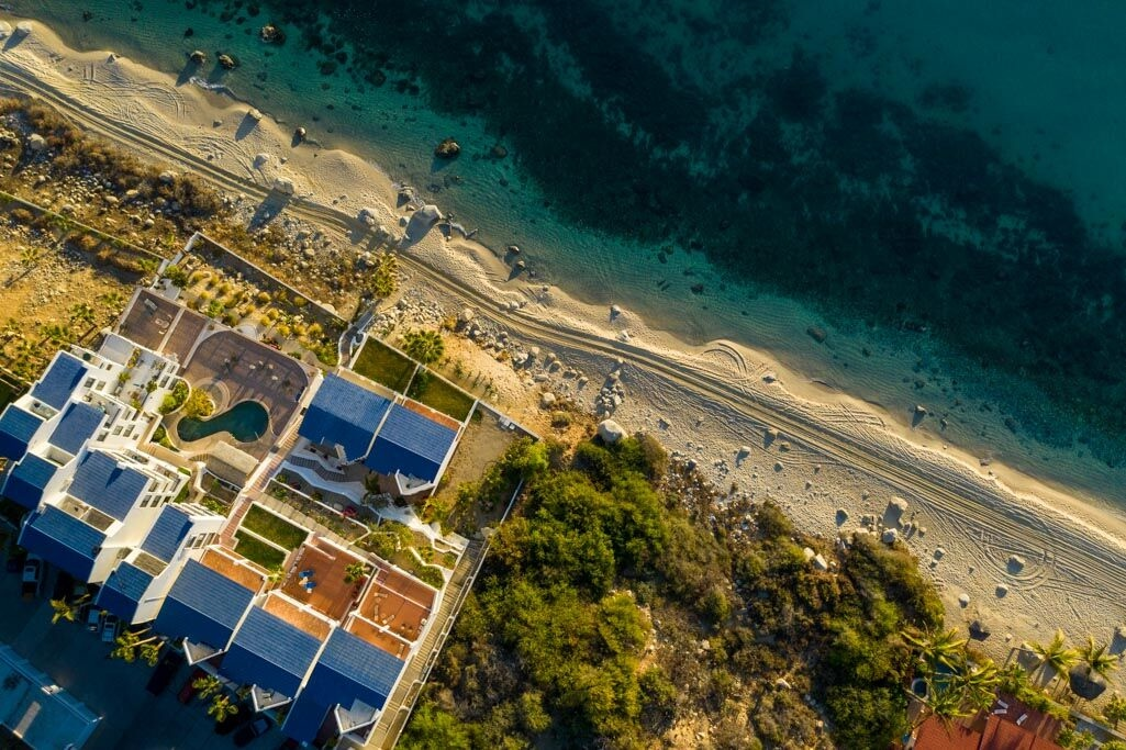 Tranquil, Relaxing Beachfront,  Exceptional Views!