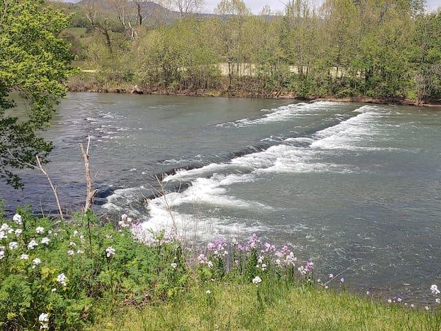 River Overlook Retreat