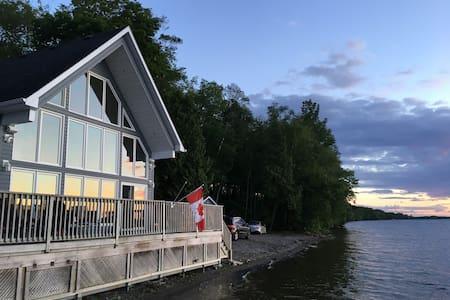 Muskoka-Style Lakefront Cottage with Pool & Sauna