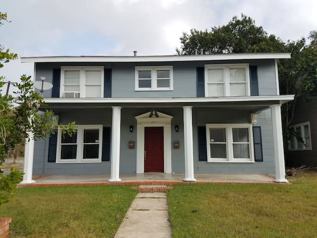 Cozy and neatly kept private room in Alamo Heights