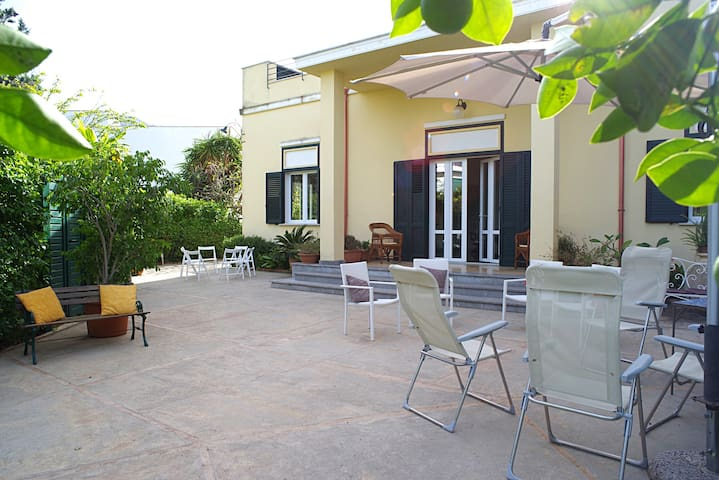Villa Flores, in the heart of Mondello
