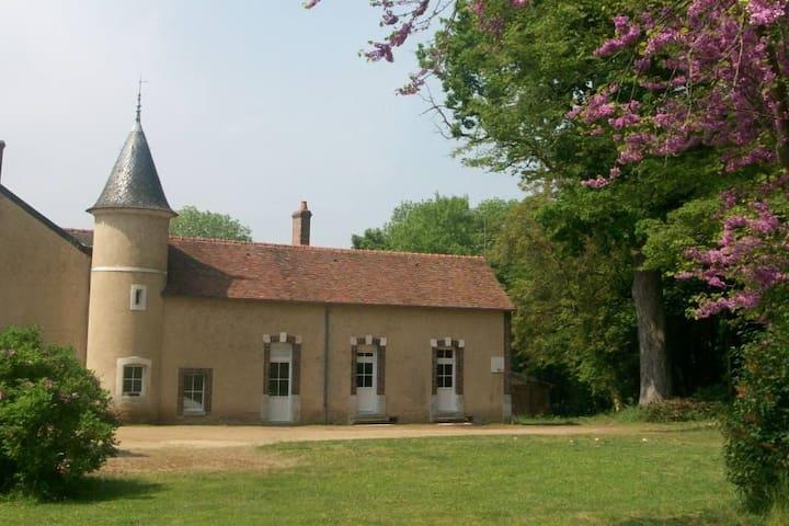 Montbouy的民宿