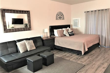 Spacious & Sanitized Condo*King Bed*Great Location
