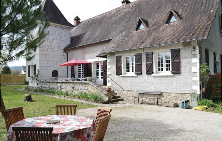 Lachapelle-Auzac的民宿