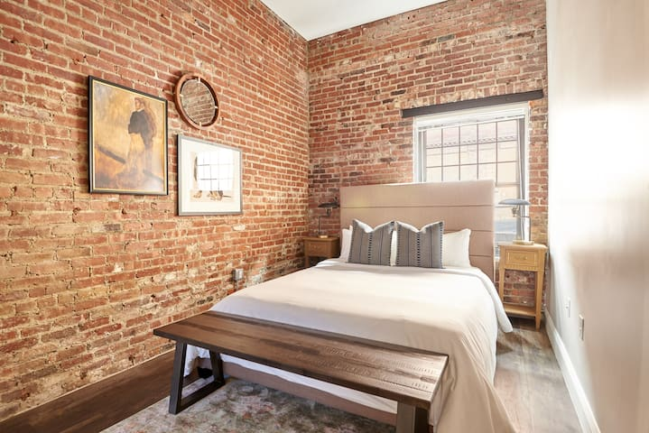 Monthly Discounts - Fully Furnished 4br, 2ba Loft!