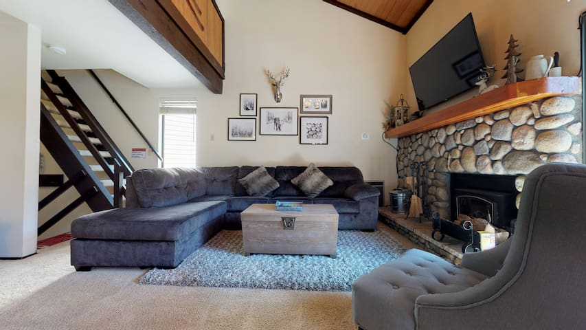 New listing! Updated with a decorators touch close to town, Sleeps 8 comfortably!
