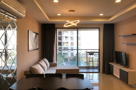 10F 3BR Apartment-River View & Inft Pool