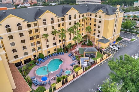 NICE SUITE NEAR UNIVERSAL/DISNEY/CONVENTION CENTER