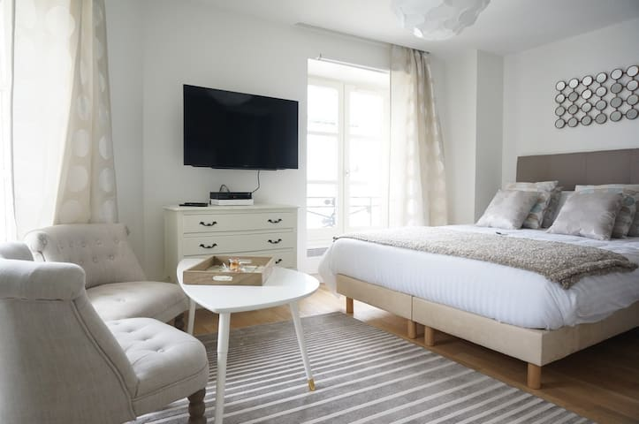 Paris, Opéra 5...Charming apartment in Paris