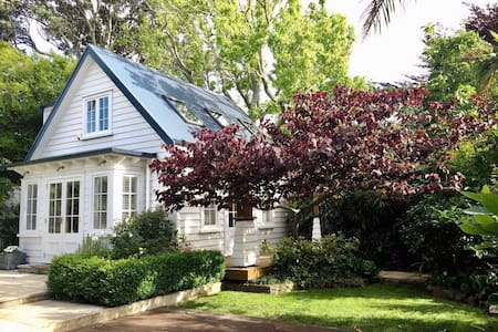 Auckland Central Garden Cottage in Mt Eden