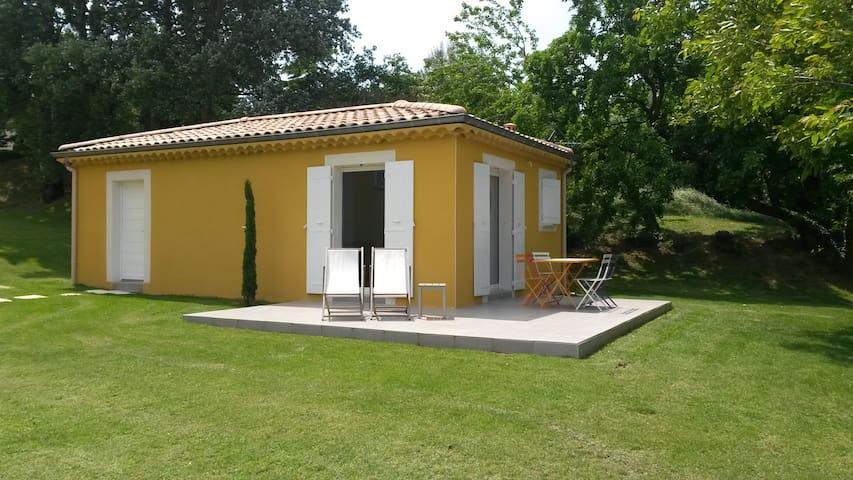 Montboucher-sur-Jabron的民宿