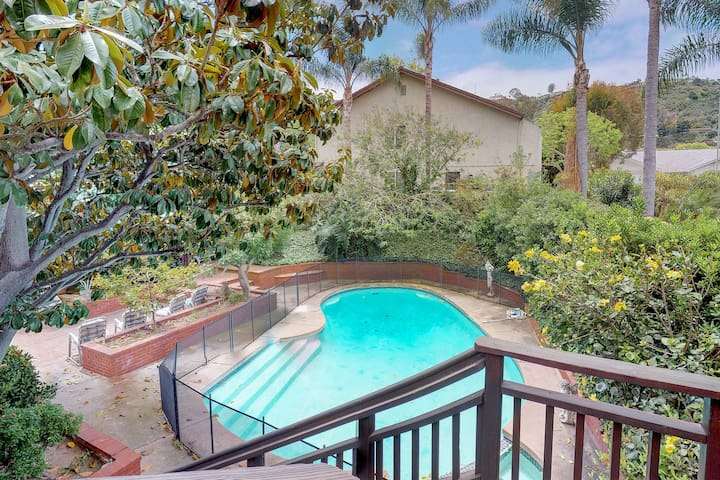 Family-friendly house w/ private pool & entertainment - close to the beach!
