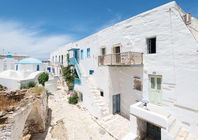 Antiparos House in the Kastro