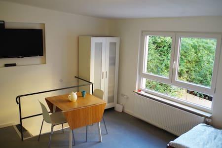 Apartment in Altstadt-/Messenähe, zentral & ruhig