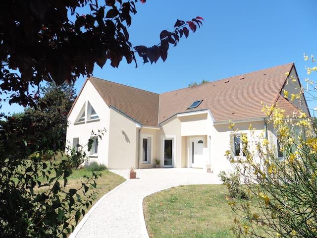 Mareau-aux-Prés的民宿