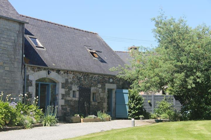 Chaleureux cottage in Breiz