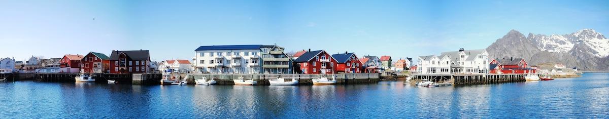 """Rorbu Suite"" with sauna and steam. Henningsvær"