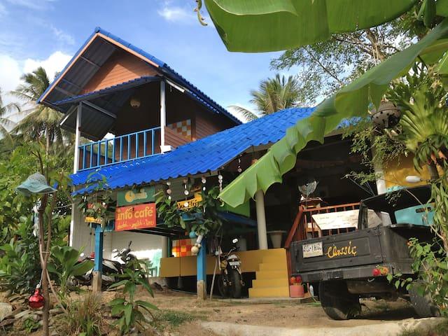 Koh Phangan Island的民宿