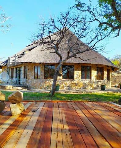 Susurumba Resort - Gold Chalet
