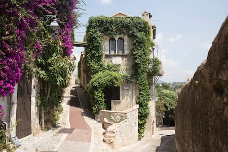 Poet's stunning historic 12th Century apartment