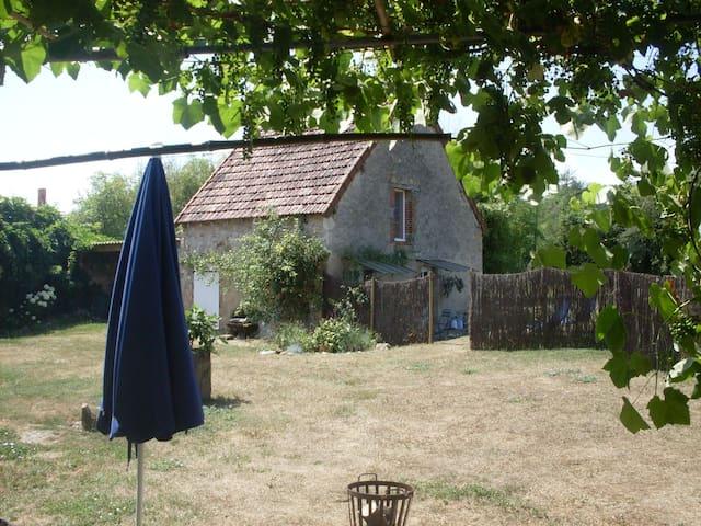 Épineuil-le-Fleuriel的民宿