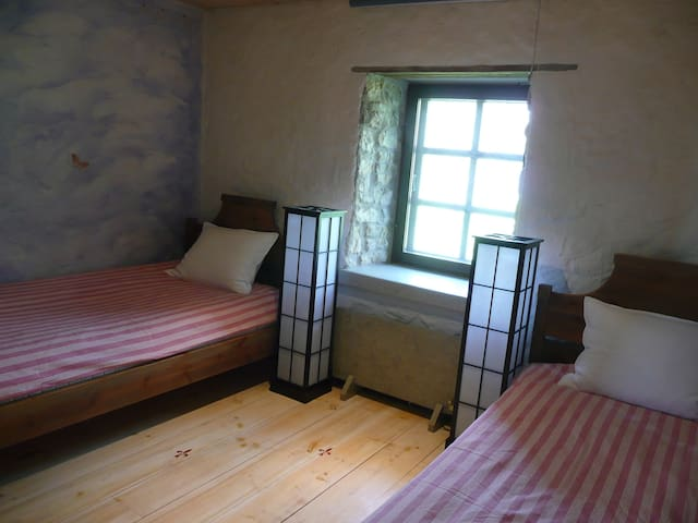 LALLI TOOMA BY THE SEA, TWIN ROOM