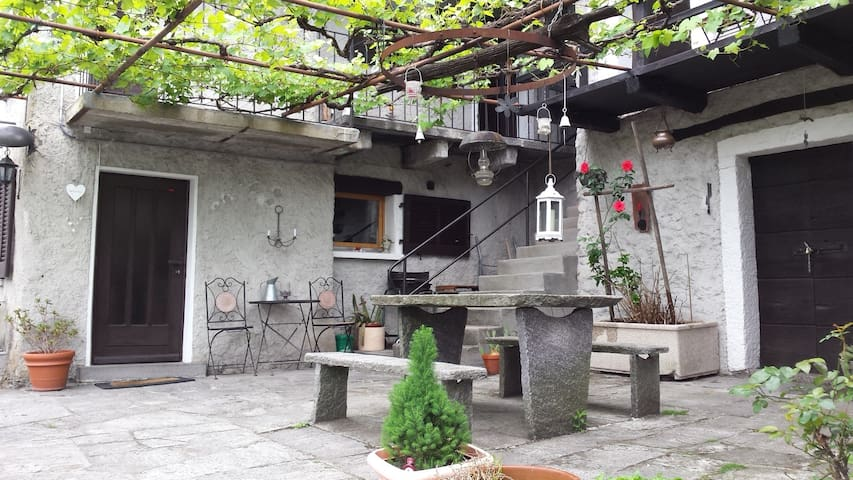 """Cute and typical Ticino's Stone's House """"Rustico"""""""