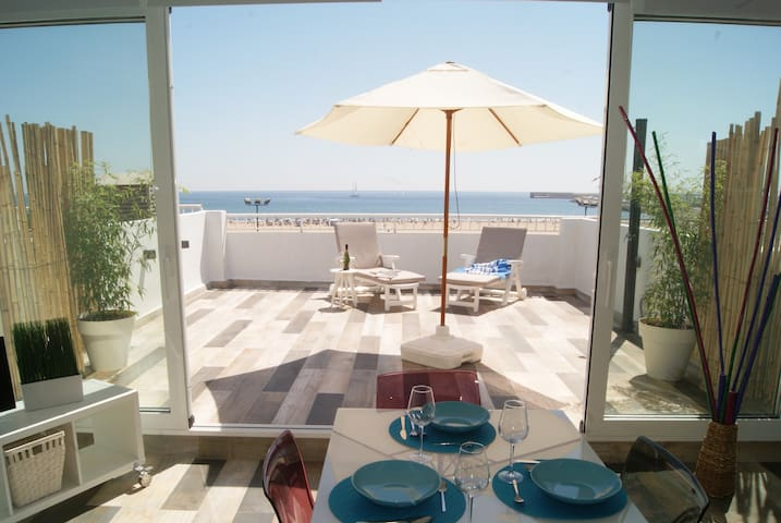 BEAUTIFUL BEACH FRONT ATTIC