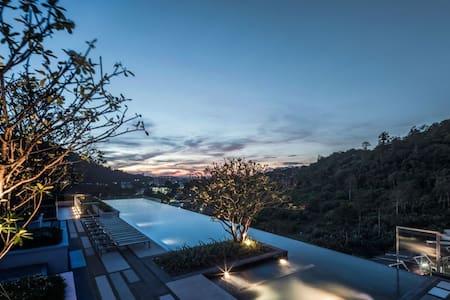 Phuket Town Condominium#1 - Seaview Swimming Pool