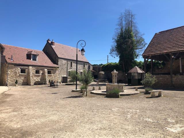 Lévis-Saint-Nom的民宿