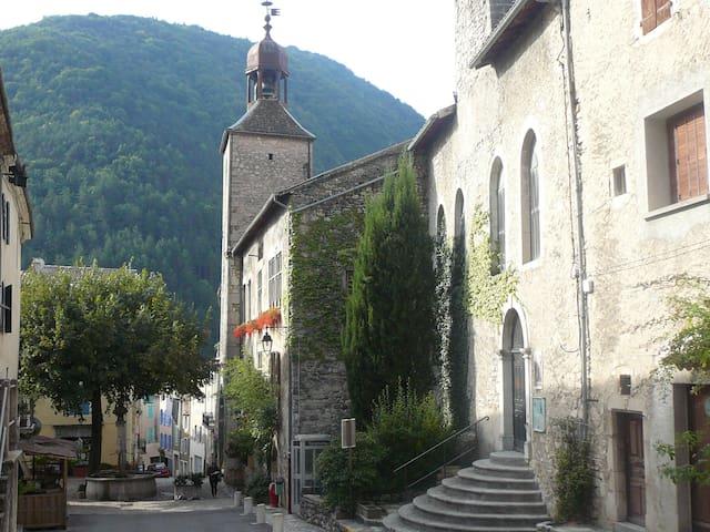 Châtillon-en-Diois的民宿