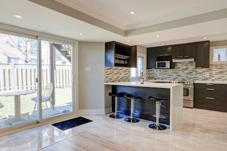 Luxurious And Modern Brand New 2 Bed Apartment!
