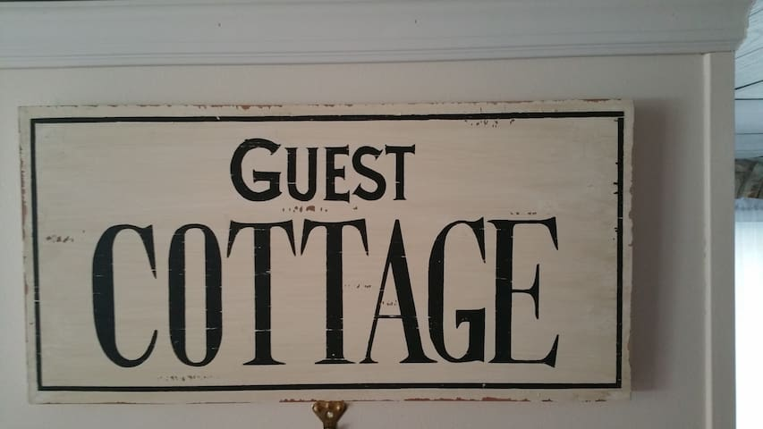 Oak Island Beach Guest Cottage