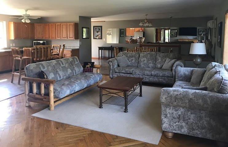 Bunk House Up North Wild Life Retreat Ossineke MI