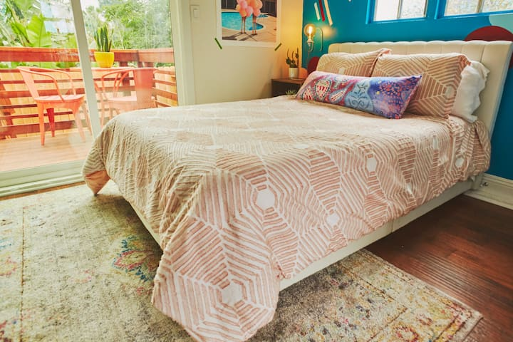 The Blue Grapefruit Guesthouse in Silver Lake