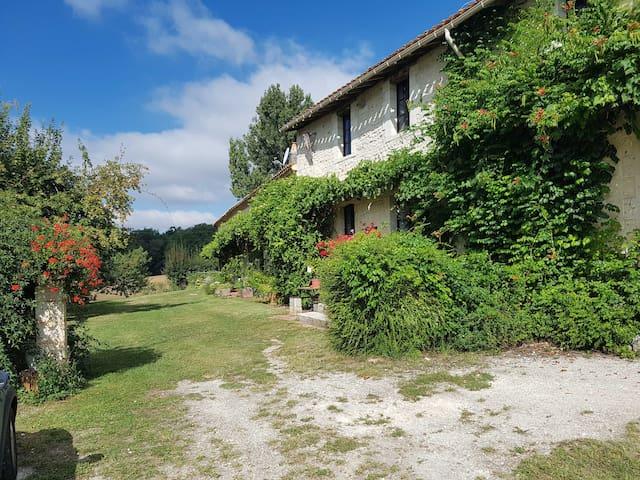 Charente的民宿