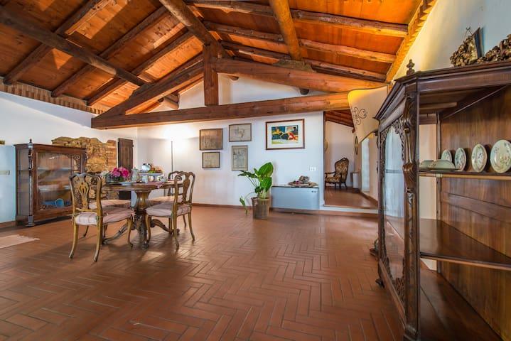 Montevecchia的民宿