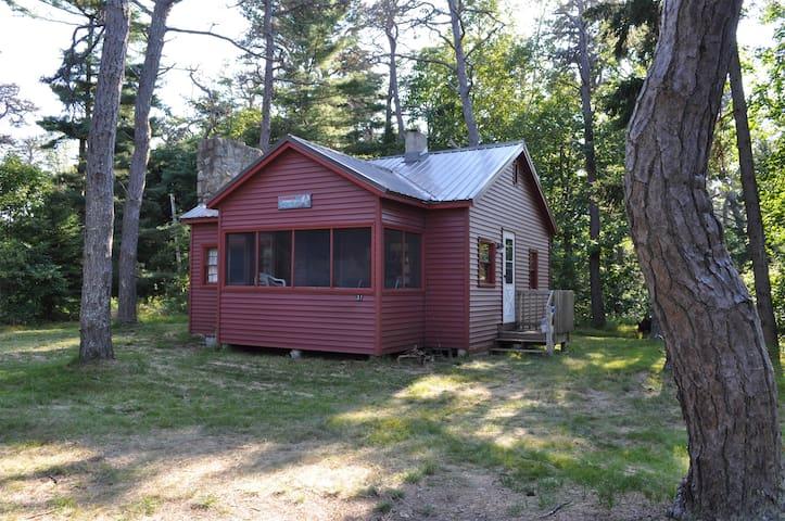 Popham Beach Cottage, Nestled in the Pine Grove